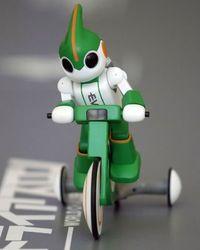 Robot japonés que camina, corre y nada participará en triatlón de Hawáii