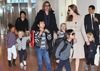 Angelina Jolie y Brad Pitt se llevan a sus seis hijos a Japón